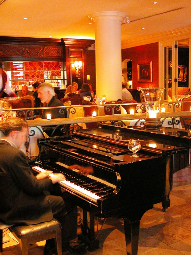 Bacchus Piano with people